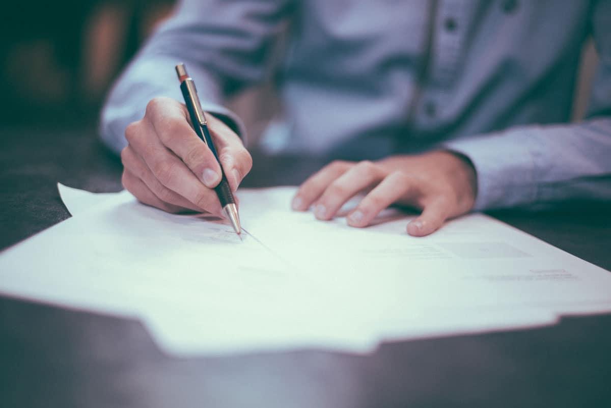 ADECOSE y DAS Seguros pactan un nuevo modelo de Carta de Condiciones