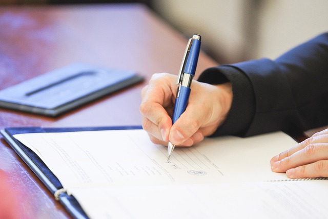 ADECOSE y OMNIA MGA pactan un nuevo modelo de Carta de Condiciones